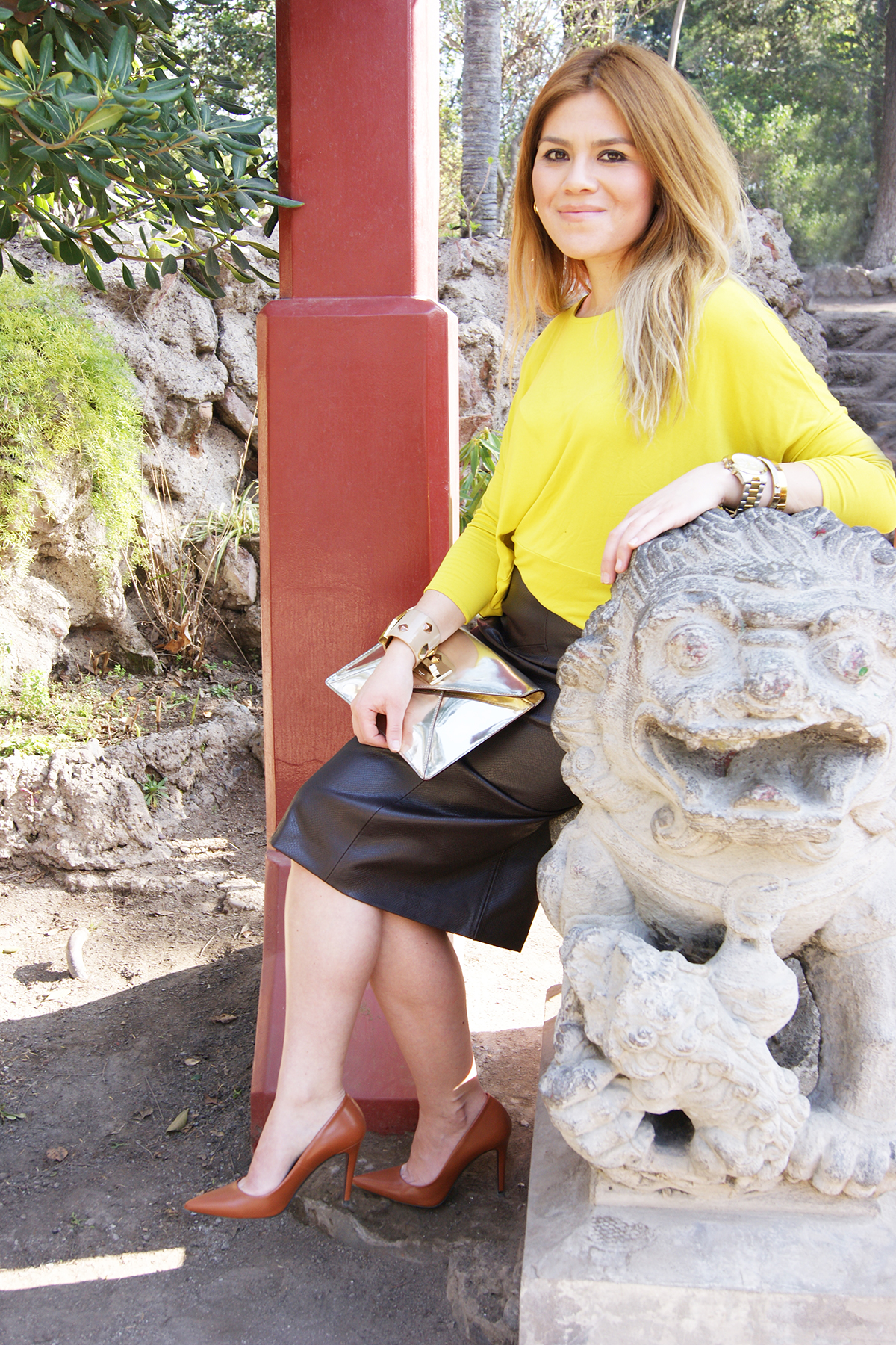 Leather skirt and spring | Without Lipstick